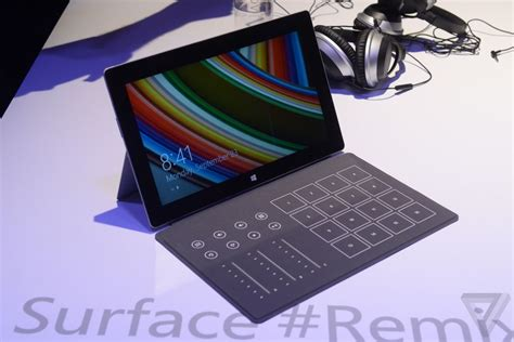 Credit Card Reader Microsoft Surface Surface Blades Microsoft Bets On Accessories As The
