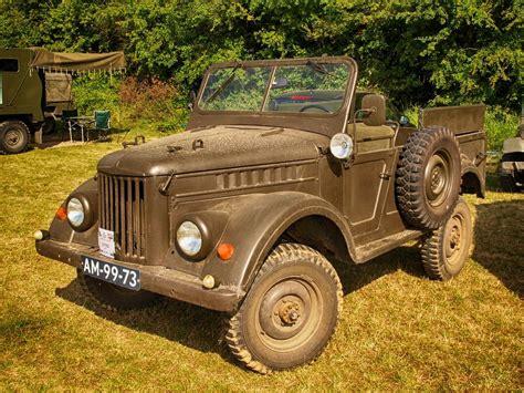 Army-Surplus Surplus Army Jeeps 2.00.