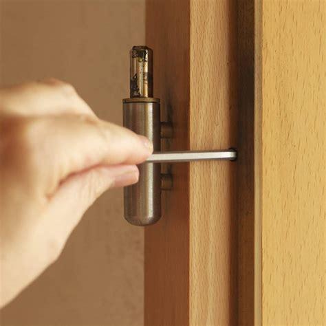 Tür Einstellen