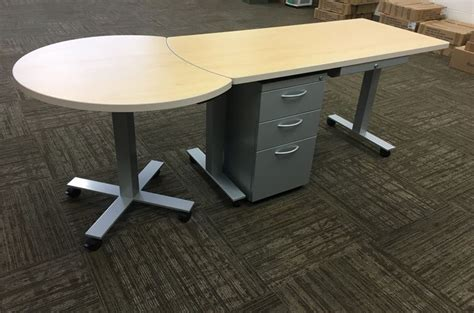 Teacher Desk Design
