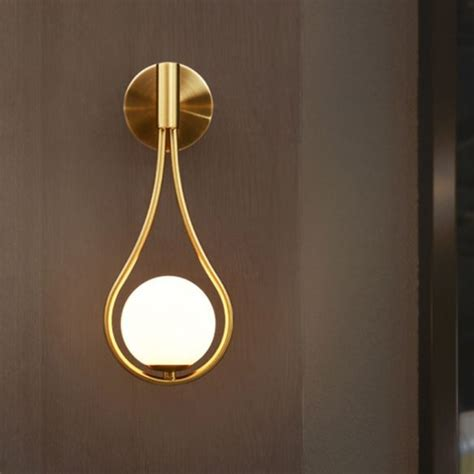 Teardrop 1-Light Corner Wall Light