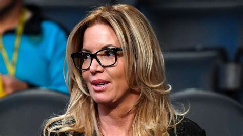 Corporate Lawyer Los Angeles Salary The Inside Story Of Los Angeles Lakers Owner Jeanie Buss