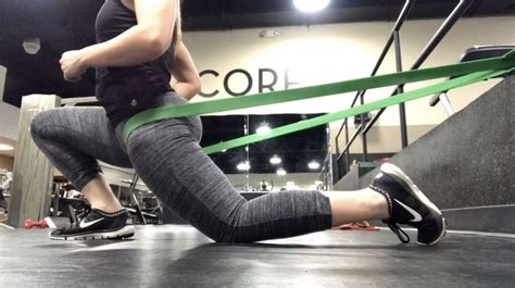 tight hip flexor squats