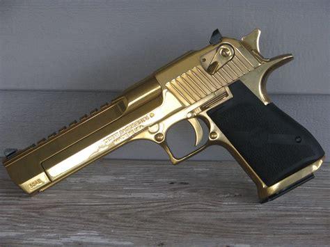 Desert-Eagle Titanium Gold Desert Eagle 50ae.