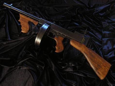 Tommy-Gun Tommy Gun Al Capone.