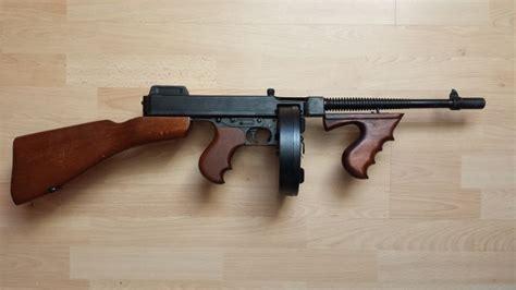 Tommy-Gun Tommy Gun Bu.