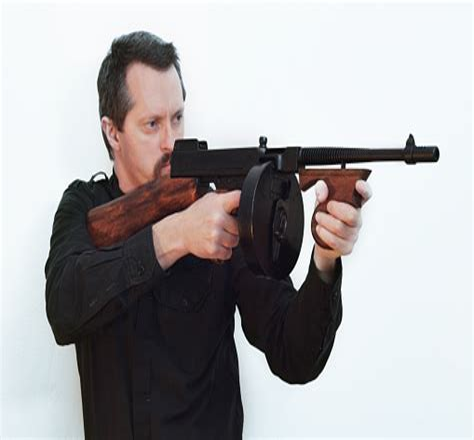 Tommy-Gun Tommy Gun Gangster.