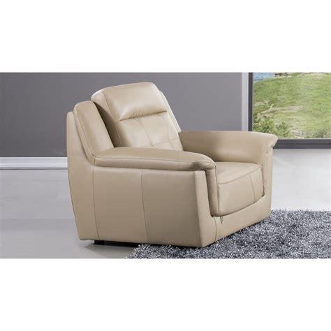 Ugalde Club Chair