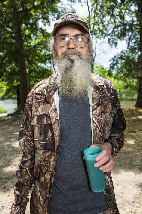 Uncle Si Robertson - Heritagemfg.