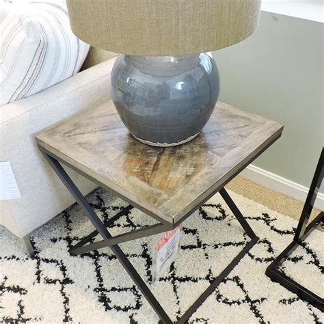 Unton End Table
