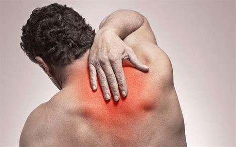upper back pain chest tightness