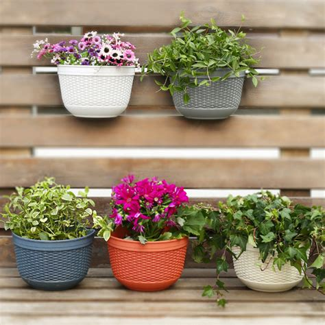 wall mounted planter pot