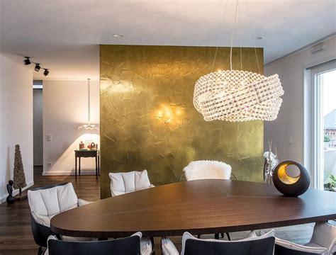 Wandgestaltung Wohnzimmer Gold