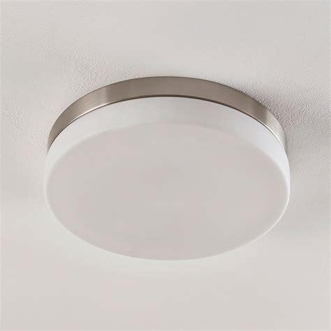 Weiße Deckenlampe
