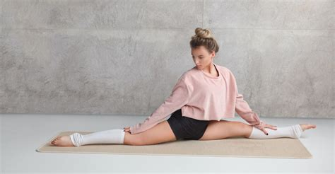 what is the hip flexor complex stretches for splits and flexibility