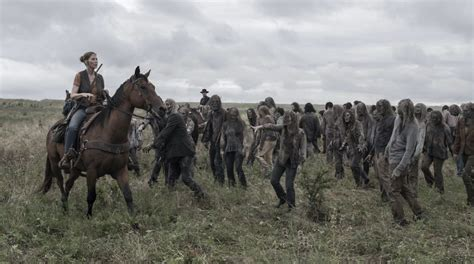 what makes lower back muscles tight when walking dead cast