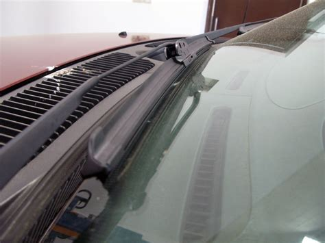 Taurus-Question What Size Wiper Blades For 2003 Ford Taurus.