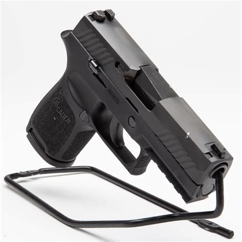 Sig-P320-Question Who Makes The Sig Sauer P320.