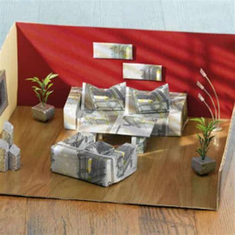 Wohnungseinrichtung Geld