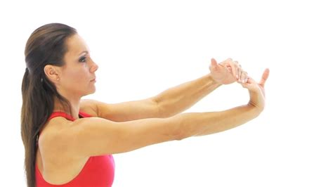 yoga for hip flexor tendonitis stretches wrist support