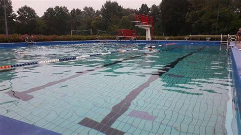 Zwembad In Vries