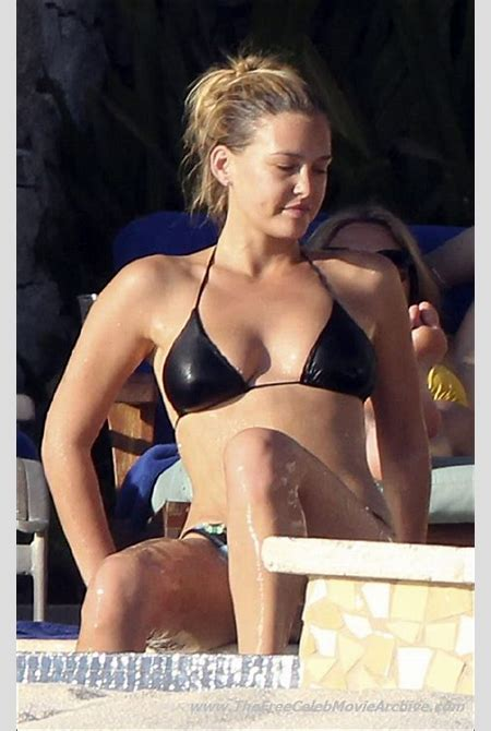 Bar Refaeli naked celebrities free movies and pictures!