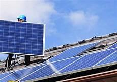 prix d un panneau photovoltaique au m2 combien faut il de panneau solaire pour alimenter une