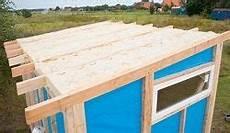 Geräteschuppen Pultdach Selber Bauen - das gartenhaus dach der kr 246 nende abschluss