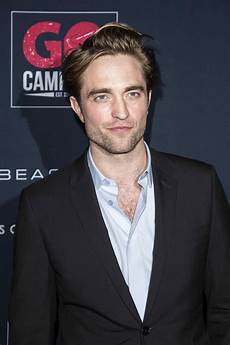 Robert Pattinson Robert Pattinson S Batsuit Leaks Online And Fans Think It