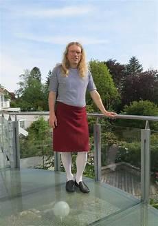 In Skirt Mann Tr 228 Gt Roter Rock Skirt Mens