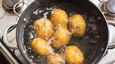 Kartoffeln Kochen So Gelingen Sie Ihnen Garantiert De
