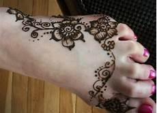 40 Koleski Terbaik Gambar Henna Motif Bunga Simple The