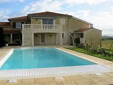 garage de la piscine maison contemporaine avec piscine 224 la cagne garages