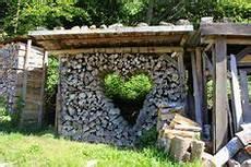 Holz Stapeln Ideen - holzstapel haus suche brennholz wood storage