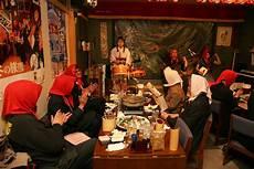 jp performance restaurant restaurants with live performance of syamisen or nebuta hayashi aptinet aomori sightseeing guide