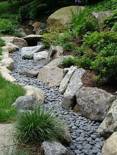So Legt Einen Trockenbach Im Garten An Anleitung