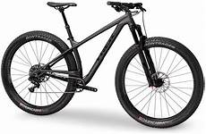 trek builds a stiffer stache with new carbon 29 hardtail