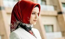 Tips Memilih Model Jilbab Untuk Wajah Lonjong Happy Ummi