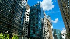 upscale hotel in the heart of downtown chicago i hyatt