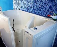 vasche per disabili prezzi italia vasca con sportello per persone in sovrappeso
