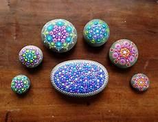 Farbe Zum Steine Bemalen - steine bemalen mit punkten mandalas gestalten bemalte