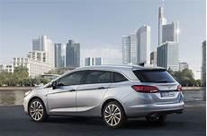 Kies Maar Opel Astra Tourer Of Renault M 233 Gane Estate