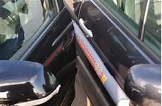 voiture abimée sur parking comment 233 viter les coups de porti 232 res sur les parkings