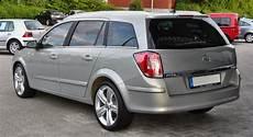 file opel astra h caravan 1 9 cdti rear jpg