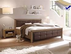 schlafzimmer set mit matratze und lattenrost massivholzbett cinco 180x200 akazie 2x nako matratze