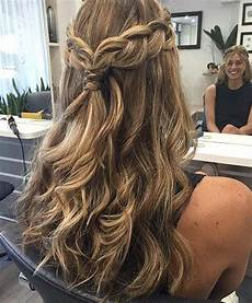 31 half up half down hairstyles for bridesmaids hair