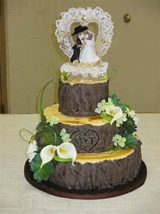 the creative home tree stump wedding cake