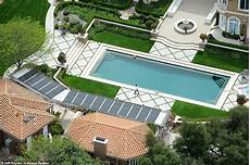 aerial photos show holmes and foxx s luxurious california mansions daily mail online