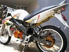 Warna Motor Keren by Modifikasi Motor Yamaha Vixion Velg Jari Jari Koleksi