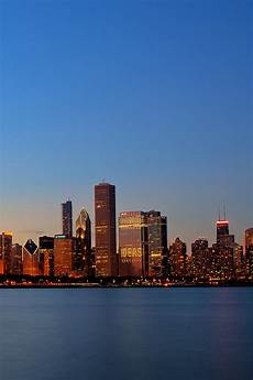 Chicago Iphone Wallpaper by Chicago Skyline Wallpaper Hd Wallpapersafari